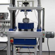 Automotive high-frequency vibration test rig